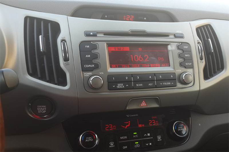 Dual zone automatic climate control - AM/FM/CD/MP3/iPhone/USB/Auxilary